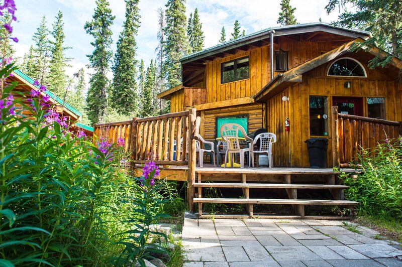 Denali Mountain Morning Hostel & Cabins